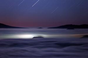 8月 雲海に浮かぶ月の陰