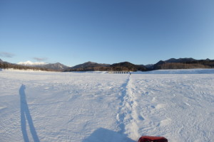 雪の道を探せ!